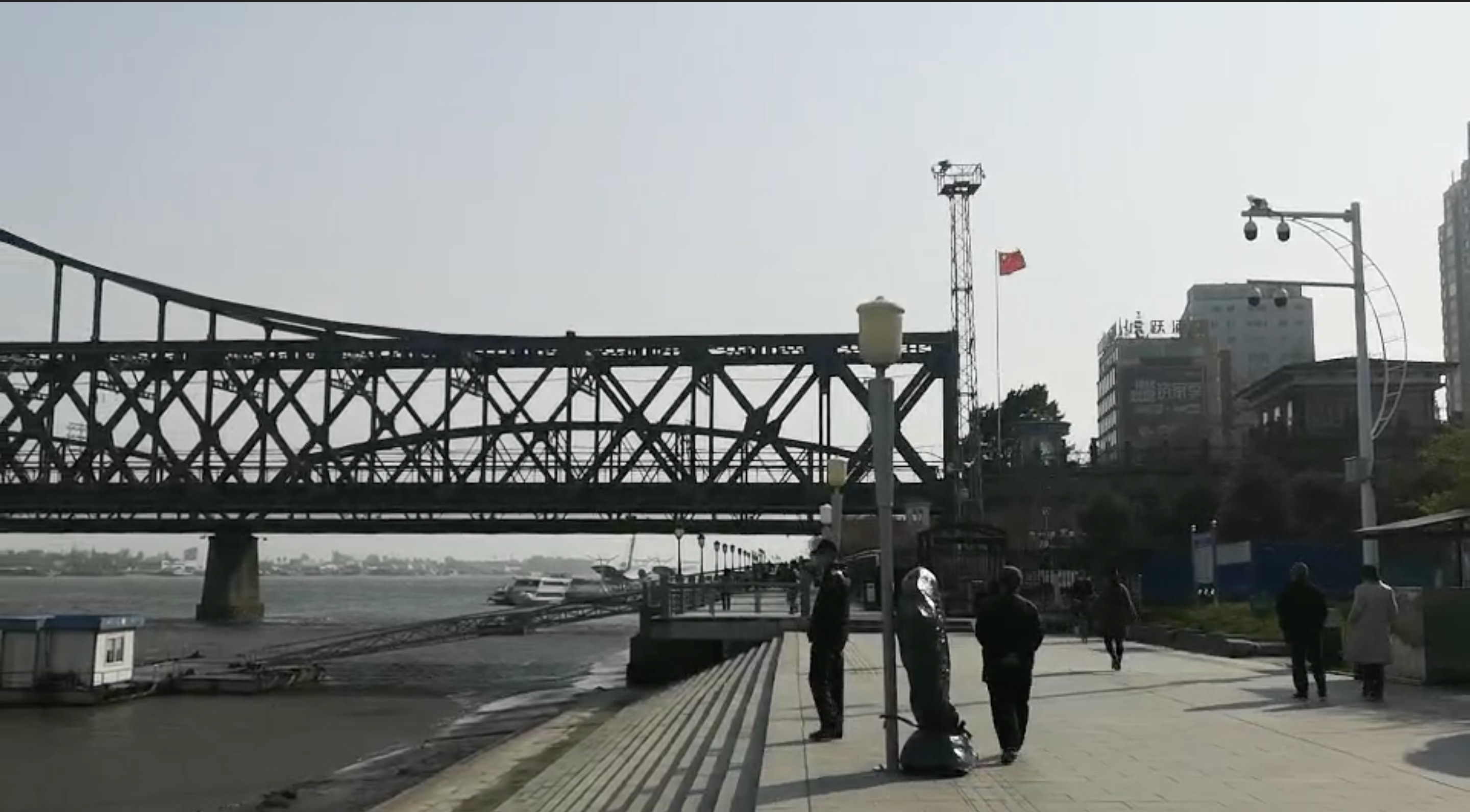 Sino-DPRK border city of Dandong tentatively relaxes COVID-19 measures