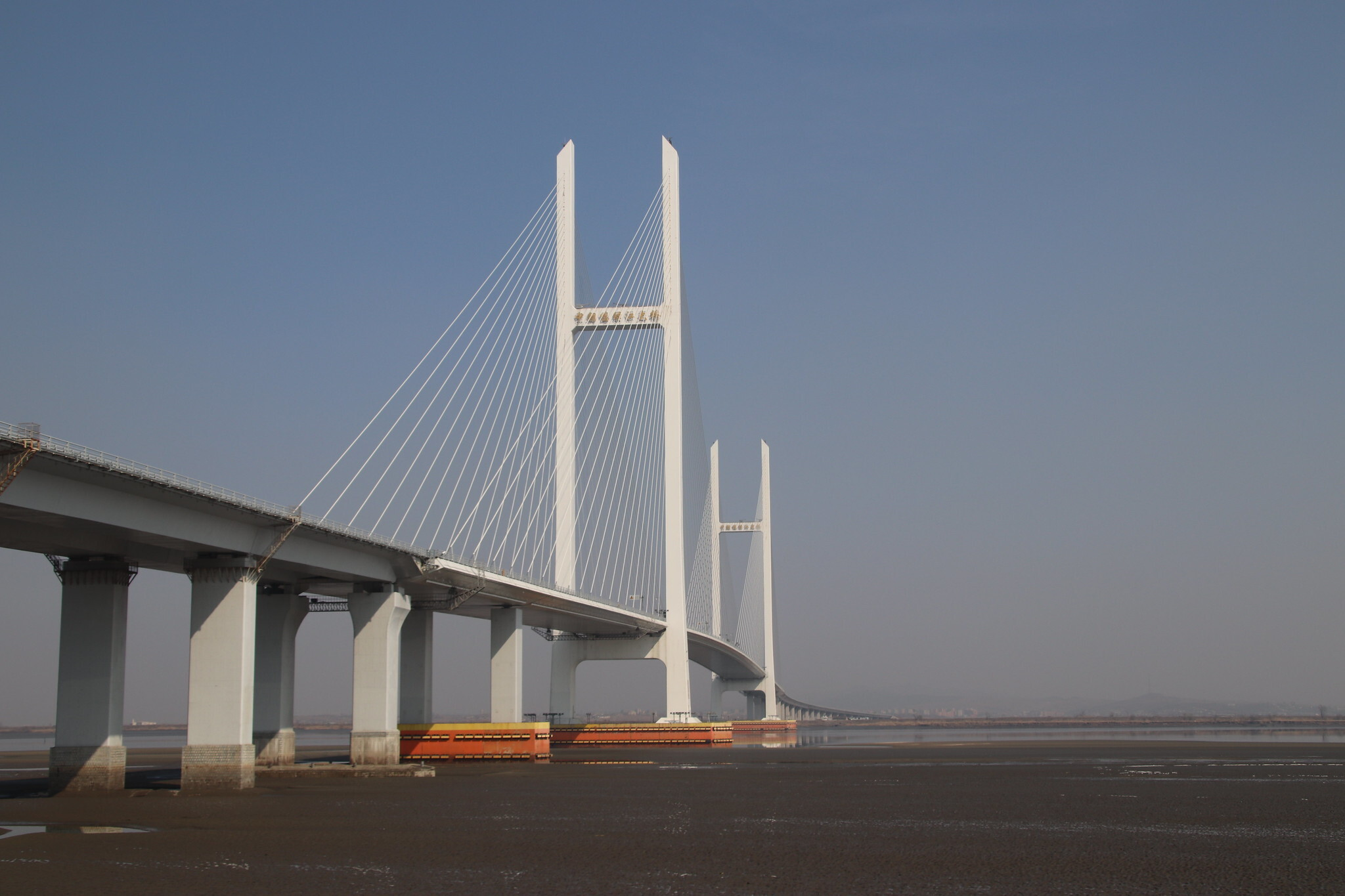 Contractors have six months to assess New Yalu River Bridge: PRC border gov.