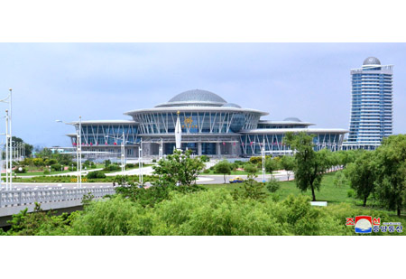 Efforts for Introducing Green Architecture Brisk in DPRK