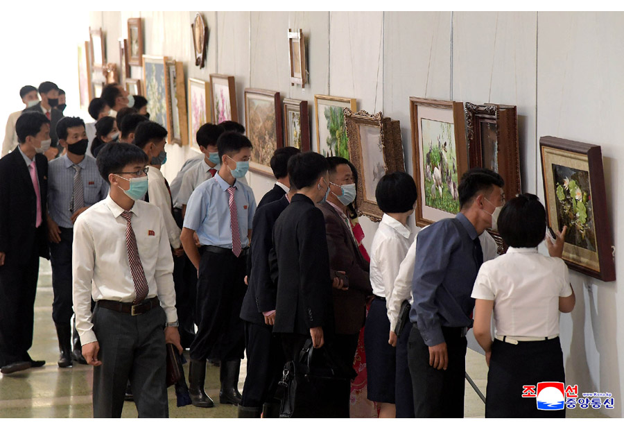 Sculpture and Craftwork Festival in DPRK