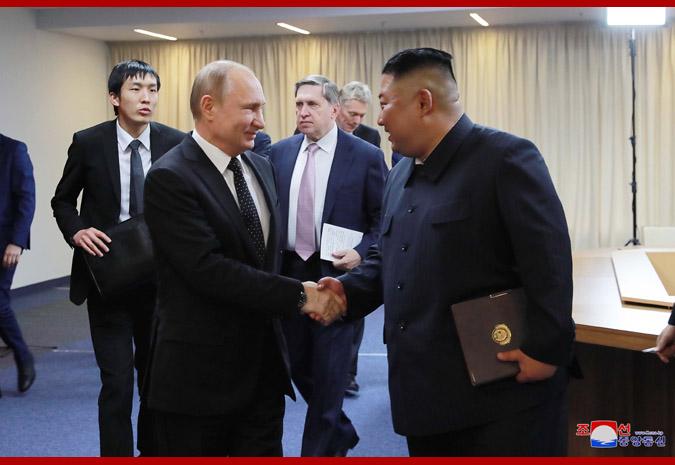 경애하는 최고령도자 김정은동지께서 울라지미르 울라지미로비치 뿌찐대통령각하와 회담하시였다