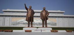 N. Korean statue sites re-opened to to