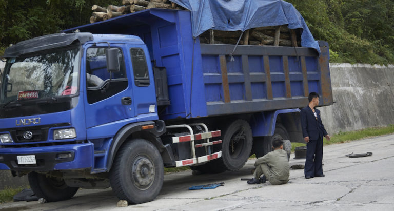 Truck tires and blood transfusers: Chinese trade to DPRK drops in August