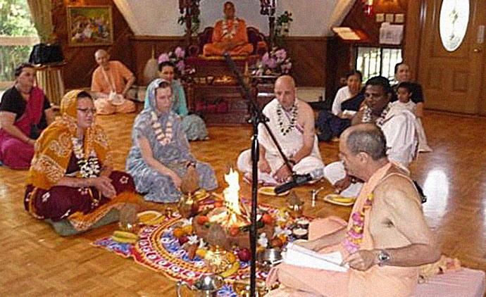 Jillian Hoy at hare Krishna ceremony at hare Krishna temple retreat in North Carolina in 2009
