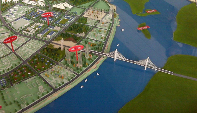 A model of the suspension bridge at the Dandong New City Zone Guomenwan exhibition centre.