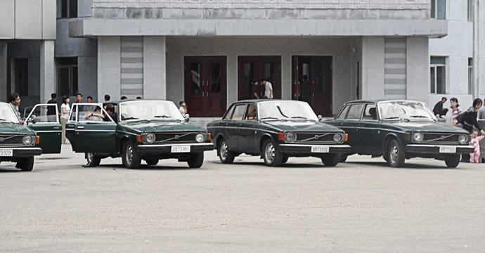 north-korean-taxis-2011