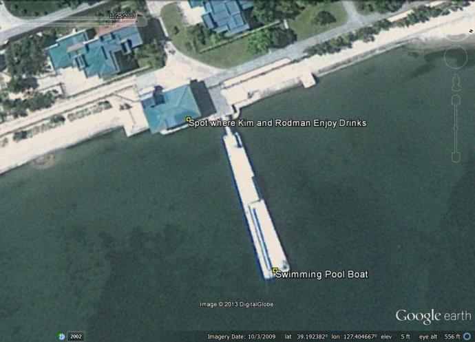 2013-10-17-Wonsan-pool-boat-GE