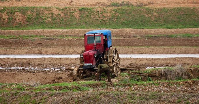 tractor-north-korea