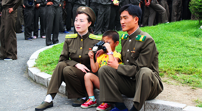 family-photo-north-korea