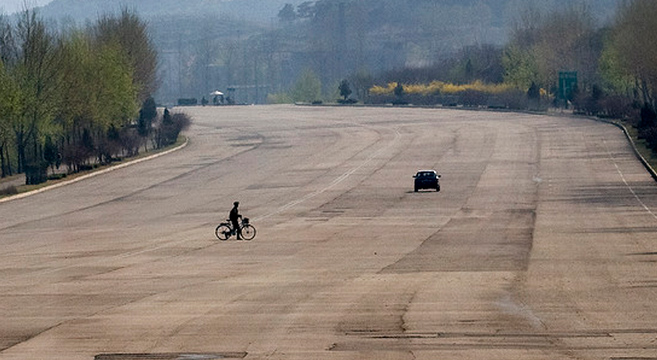 Youth highway in North Korea remains | Picture: E. Lafforgue