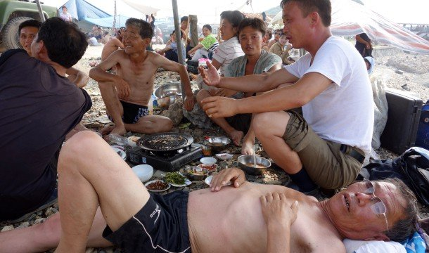 beach-life-north-korea-6