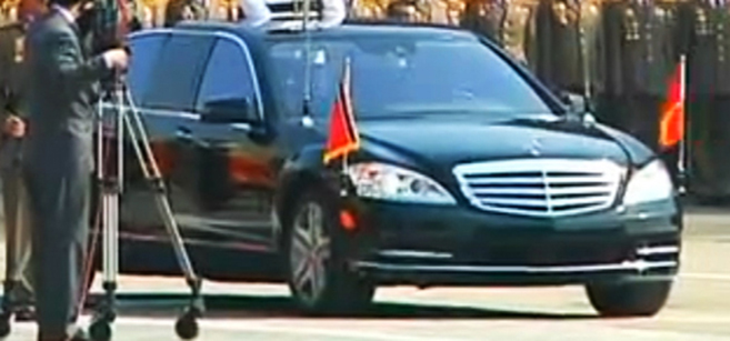on parade luxury mercedes limos spotted in north korea nk news north korea news. Black Bedroom Furniture Sets. Home Design Ideas