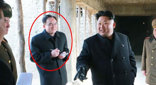 Jo Yong Won and Kim Jong Un at a construction site in Wonsan | Photo: KCNA