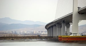 Photos show no progress on North Korea-China bridge