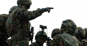 South Korea uses standoff to promote extended military service