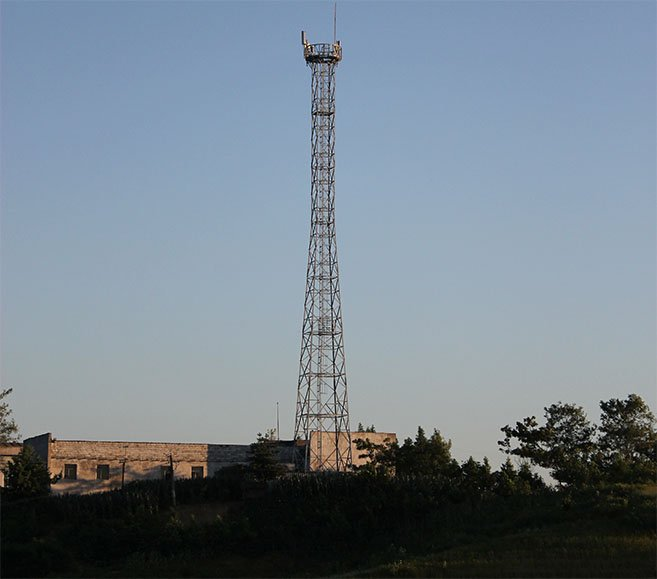 Cell tower in DPRK near Anju, North Korea | Picture: R. Cunningham
