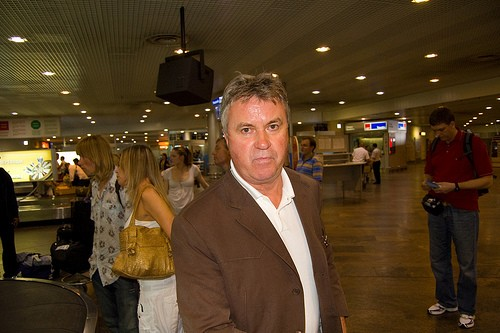 Guus Hiddink to visit N.Korea, wants to build soccer facility