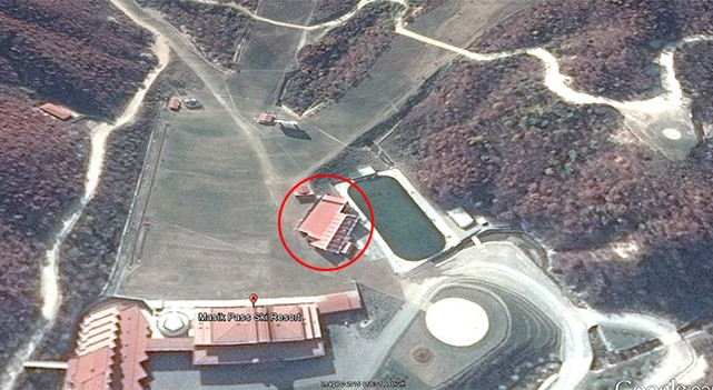 The building at the foot of the slope. Image credit: Google Earth