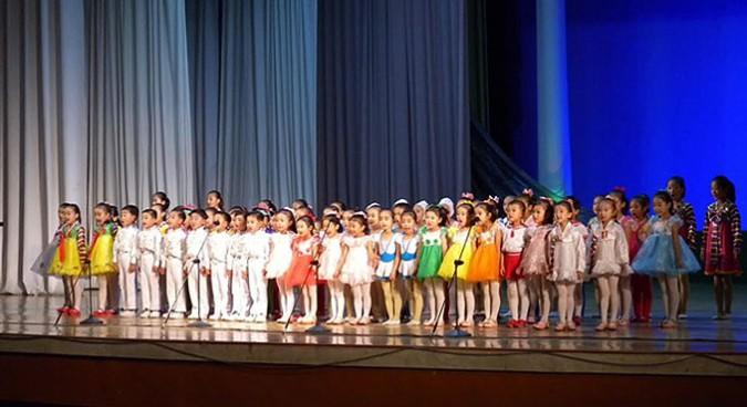 rason-children-performance-north-korea