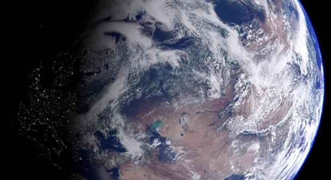Amateur satellite watcher