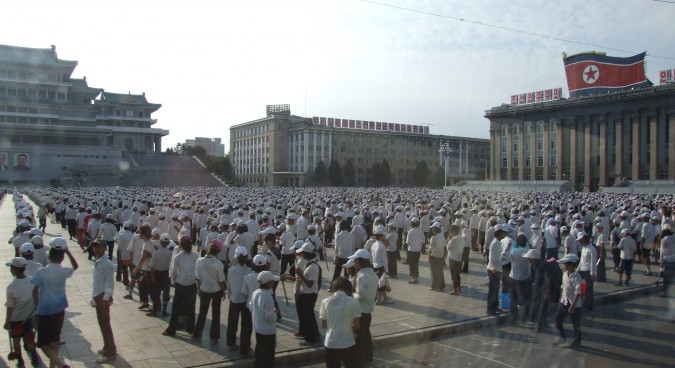 Grand_peoples_study_hall_at_kim-il-sung-square_03