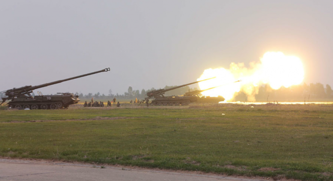170mm guns of KPA Unit 681 during a firing drill, April 2014 | Photo: KCNA