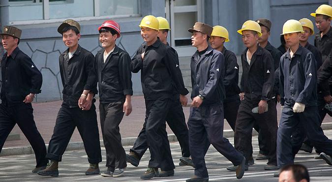 [Obrazek: nkorean-workers1.jpg]