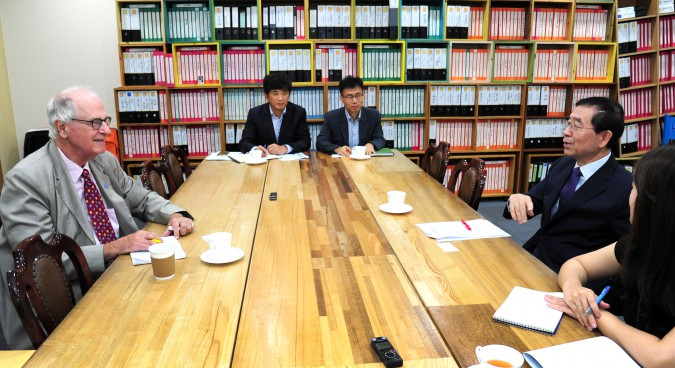 The mayor sees Seoul as a model for economic development in the rest of the country
