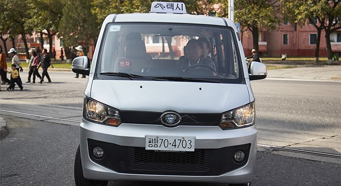 Koryolink cell network starts Pyongyang taxi service, photo suggests