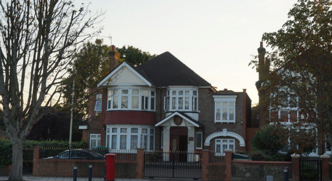 N.Korean ambassador to UK remains in London: sources