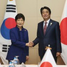 S.Korea, Japan to sign military intelligence-sharing deal