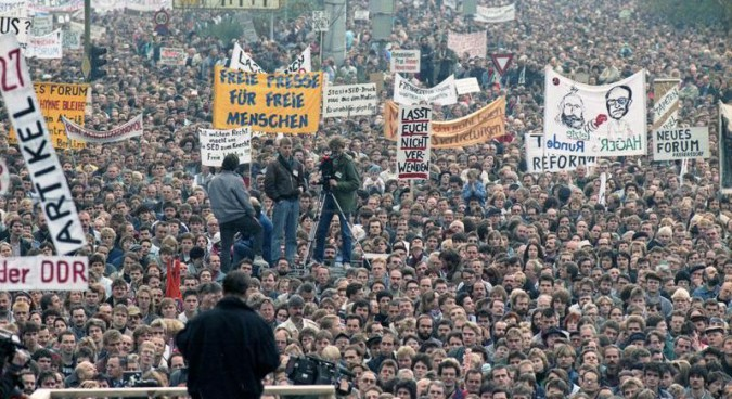 Popular protests were integral to the end of the GDR | Photo: Bild