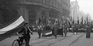 2-hungarian-revolution-in-1956
