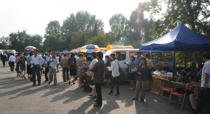north korea vendors photo
