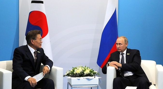 Moon, Putin discuss cutting off North Korea's oil flows