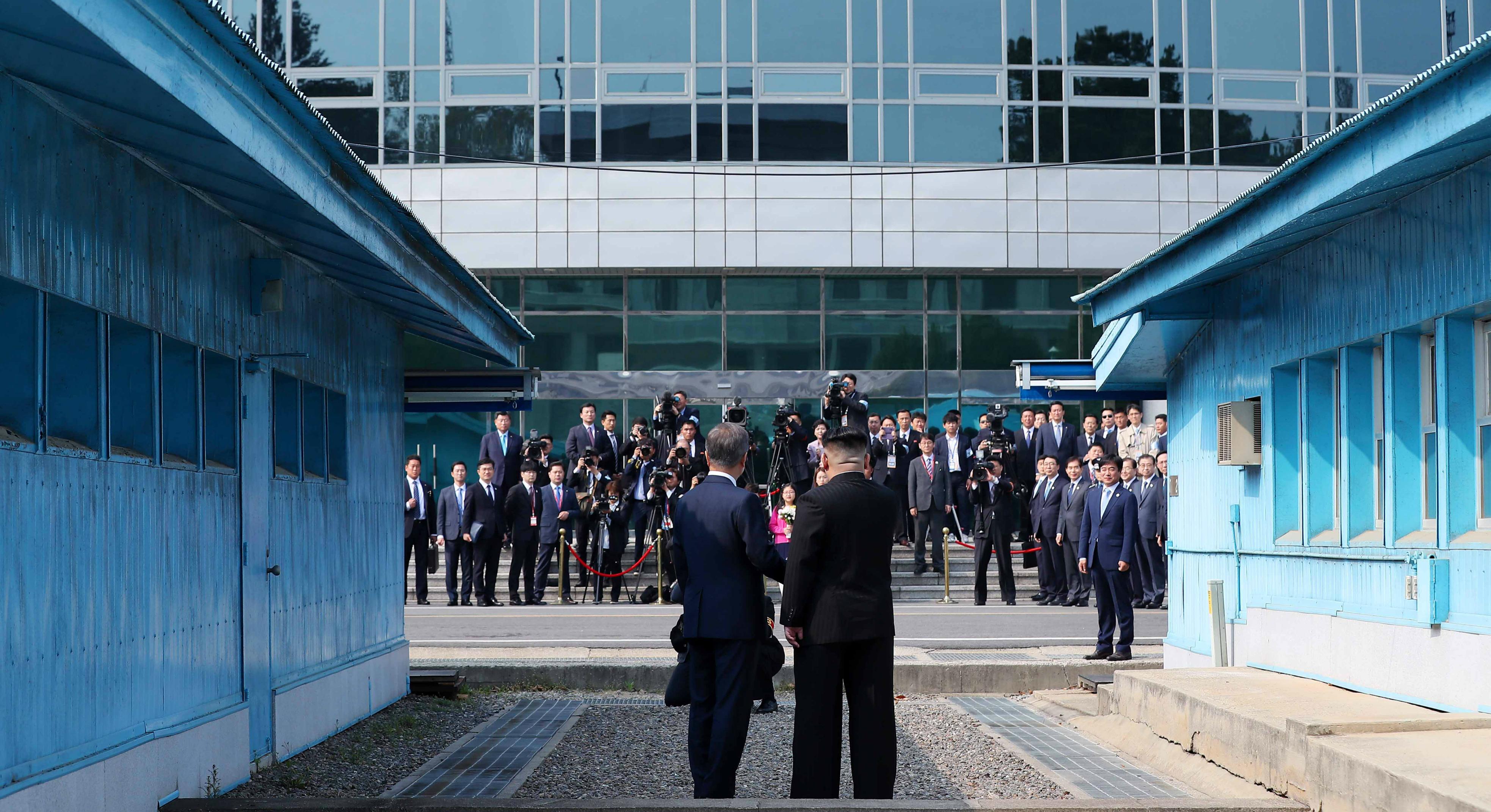 Moon Jae In Kim Jong Un