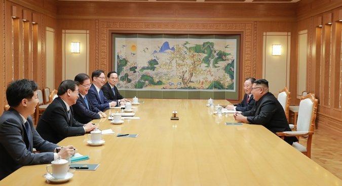 Kim Jong Un meets South Korean delegation, receives letter from Moon