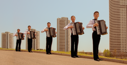 Pop-aganda: North Korean accordionists cover Norway's greatest hits